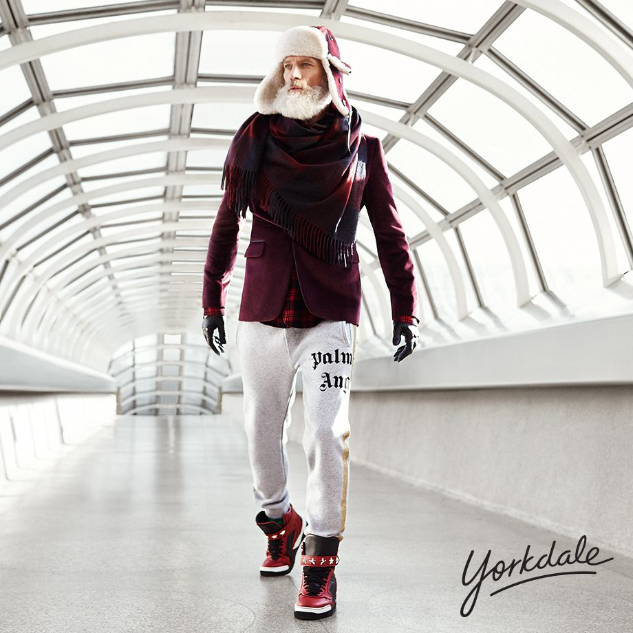 Photo: Fashion Santa; Source: Toronto's Yorkdale Shopping Centre