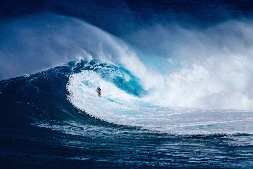 https://unsplash.com/search/waves?photo=1CxphuiFS7Y