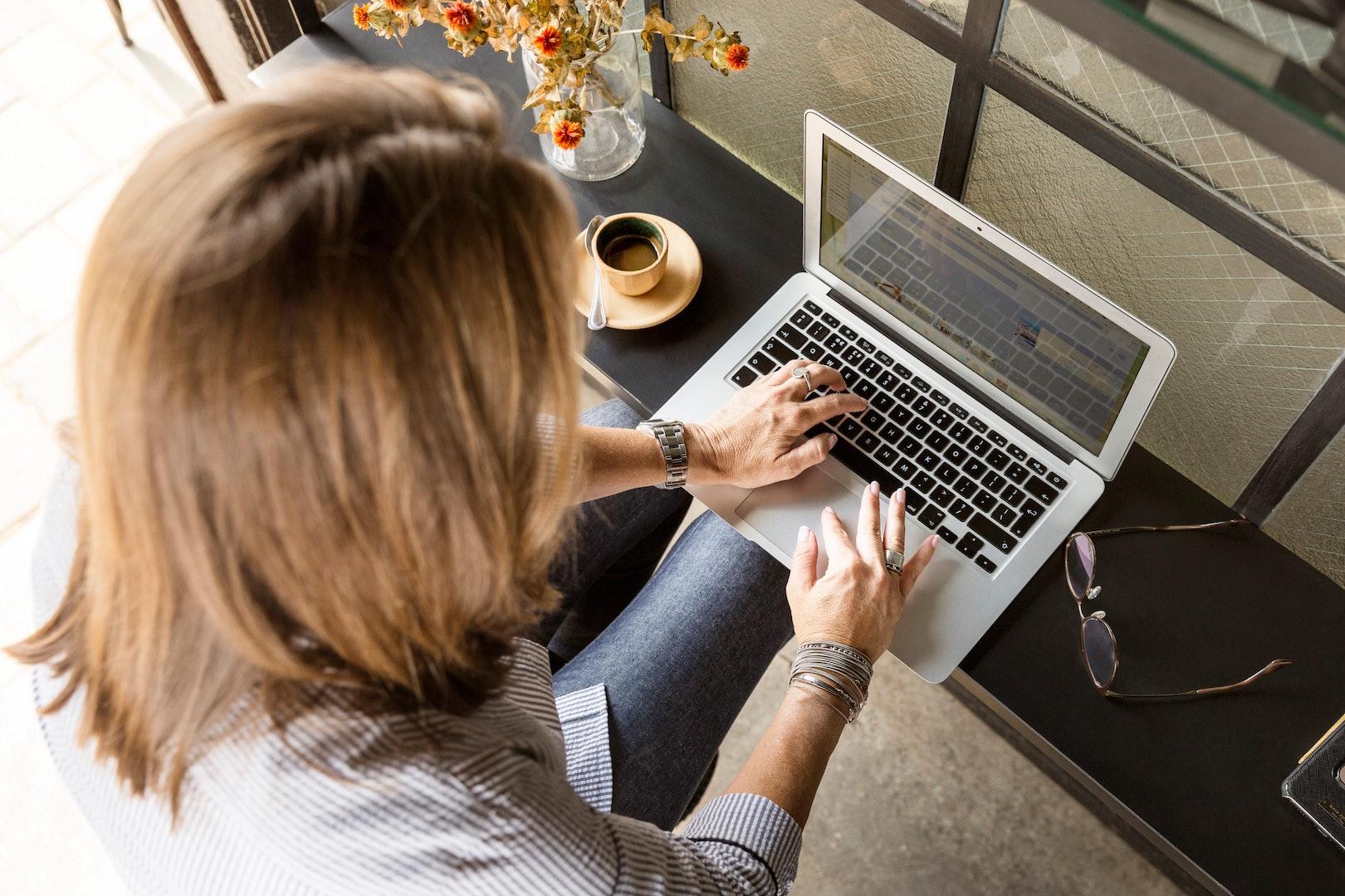 Photo: LinkedIn Sales Navigator; Pexels