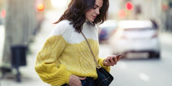 SMS-Marketing-Tips-For-Startups-YFS-Magazine-556x281.jpeg