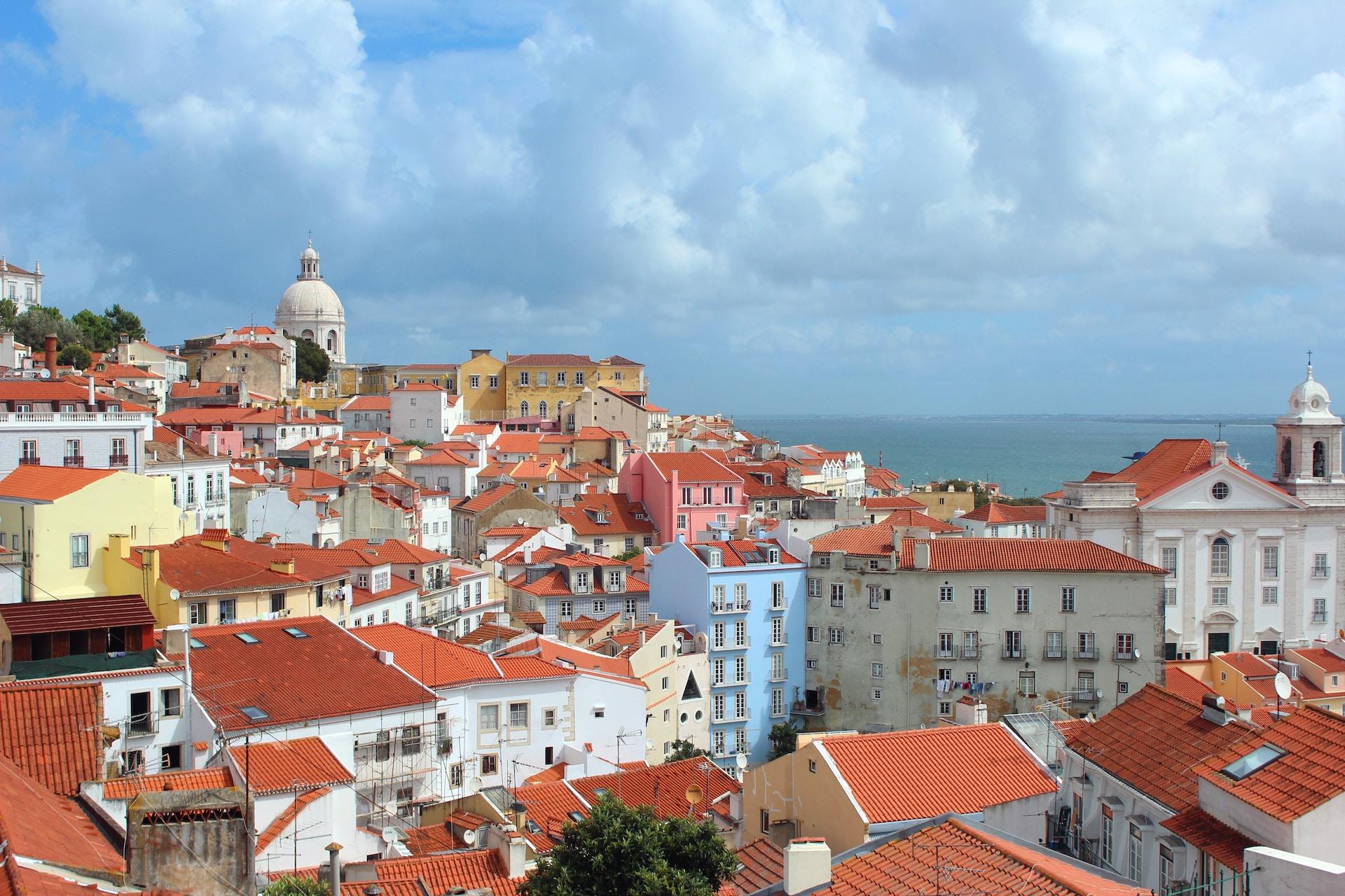 Photo: Lisbon, Portugal; Source: Elisa Michelet, Unsplash