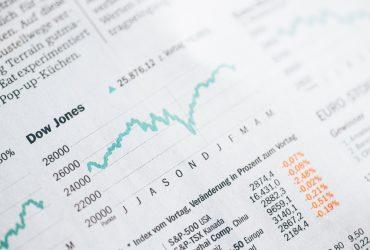 Warren-Buffetts-50-Percent-Per-Year-Return-In-The-Stock-Market-YFS-Magazine-370x250.jpg