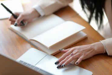 3-Smart-Ways-To-Make-Customer-Feedback-Useful-And-Actionable-YFS-Magazine-370x250.jpg